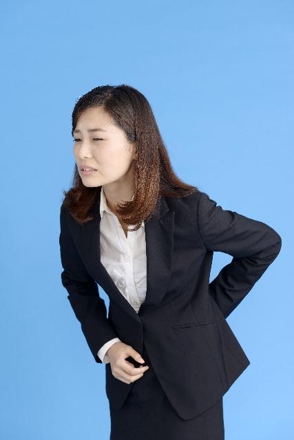 腰が痛い女性2